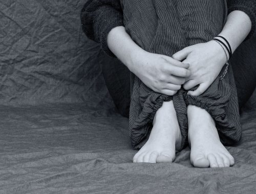Zakaj ljudje zaničujejo-obsojajo druge?