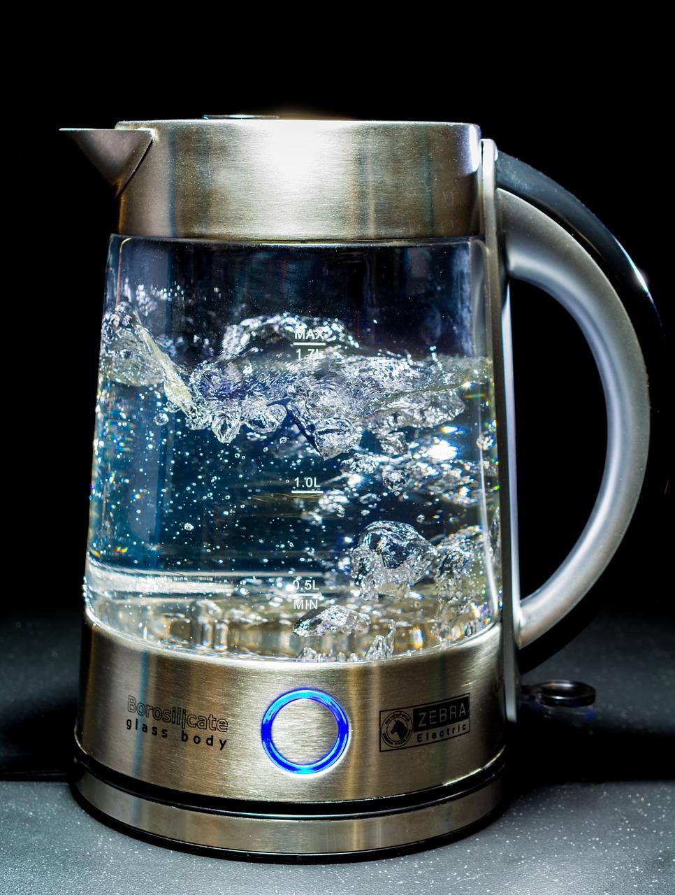 zakaj piti toplo vodo?